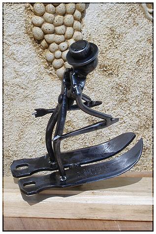 Le skieur - Sculpture de métal